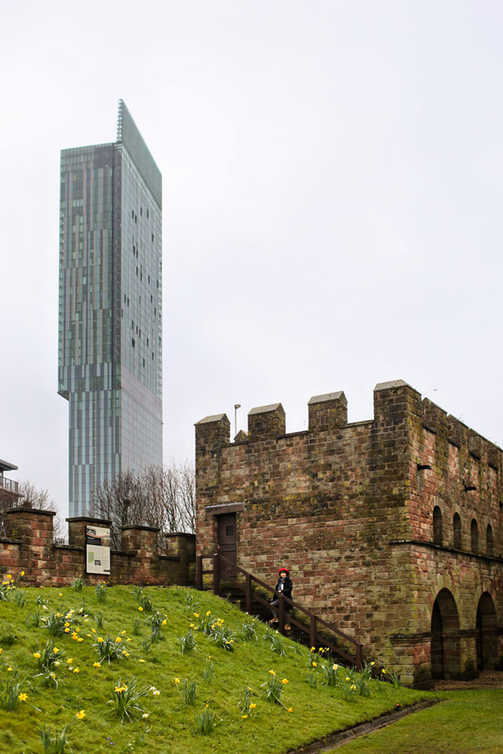 Castlefield Urban Heritage Park + 15 Incredible Places to Visit in Manchester England // Local Adventurer #manchester #uk #unitedkingdom