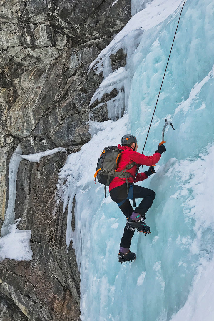 Ice Climbing Jasper National Park + The Canadian Rockies are stunning in winter and summer, but when is the best time visit Jasper? Take a look at this article to find out what season the locals love, that their favorite Jasper activities are, and what you can't miss! It's truly one of the most beautiful places in Canada // Local Adventurer #jasper #alberta #iceclimbing
