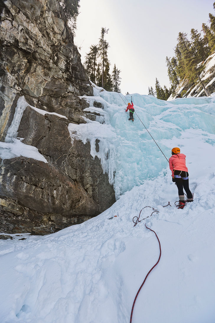 Ice Climbing Tips for Beginners. Photo: Climbing Edge of the World in Jasper National Park, Alberta, Canada - Jasper Winter Activities // Local Adventurer #jasper #canada