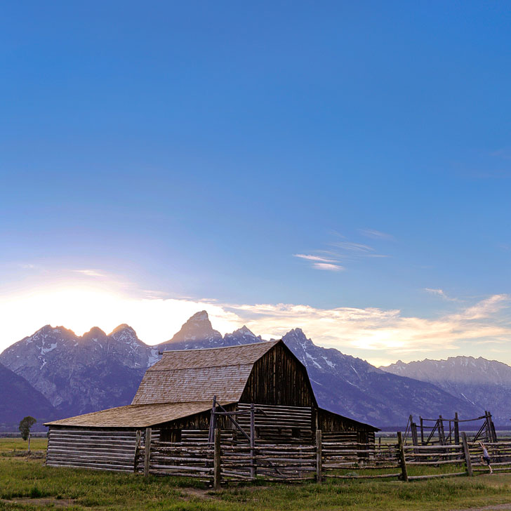 Moulton Barn on Mormon Row, Grand Teton National Park, Moose, Wyoming + Your Ultimate Guide to Grand Teton NP - Best Things to Do, Hikes, Camping, Activities, and More Beautiful Places You Can't Miss // Local Adventurer #wyoming #thatswy #grandteton