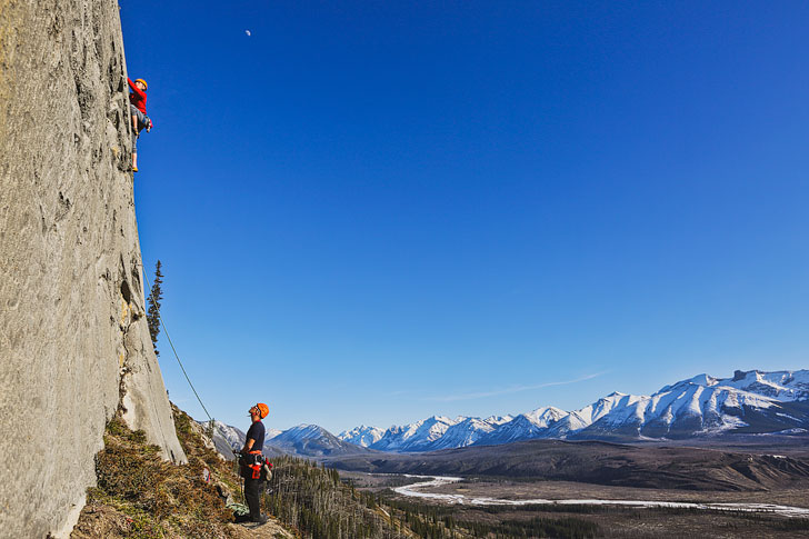 Rock Climbing Jasper National Park with Rockaboo Mountain Adventures // Local Adventurer #jasper #alberta #canada