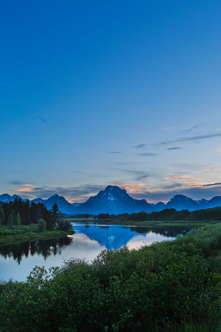 Take a scenic drive through the Teton Range with views of the winding Snake River (#1) + Check out the article on 11 incredible things to do in Grand Teton National Park, Jackson Hole, Wyoming - beautiful places, hikes, and epic adventures to add to your Wyoming Bucket List // Local Adventurer #wyoming #grandteton