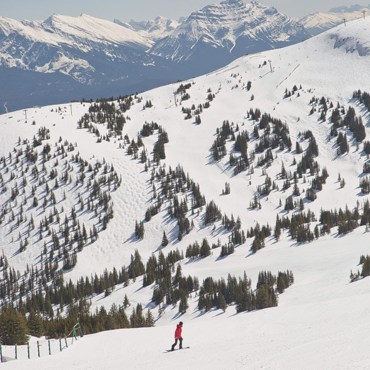 Marmot Basin Jasper Snowboarding + 15 Unforgettable Things to Do in Jasper National Park | If you're headed to the Canadian Rockies, you need to visit Jasper National Park. It is one of the most beautiful places for anyone who loves nature, photography, or adventure. Click on this article to find out what you need to add to your bucket list // Local Adventurer #jasper #alberta #canada