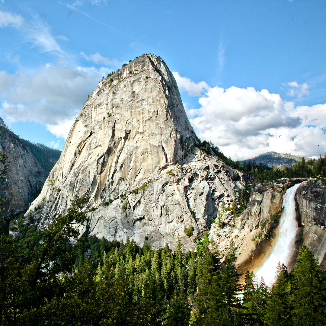 Nevada Falls Hike + Are you going to be in Yosemite National Park? Save this pin and click to see details on the 11 best hikes in Yosemite National Park you shouldn't miss. These Yosemite hiking trails are also some of the best hikes in California and the US that you'll want to add to your hiking bucket lists. They take you to the most beautiful places, waterfalls, and views in Yosemite. // Local Adventurer #localadventurer #yosemite #california #nationalpark #visitcalifornia #visitca #findyourpark