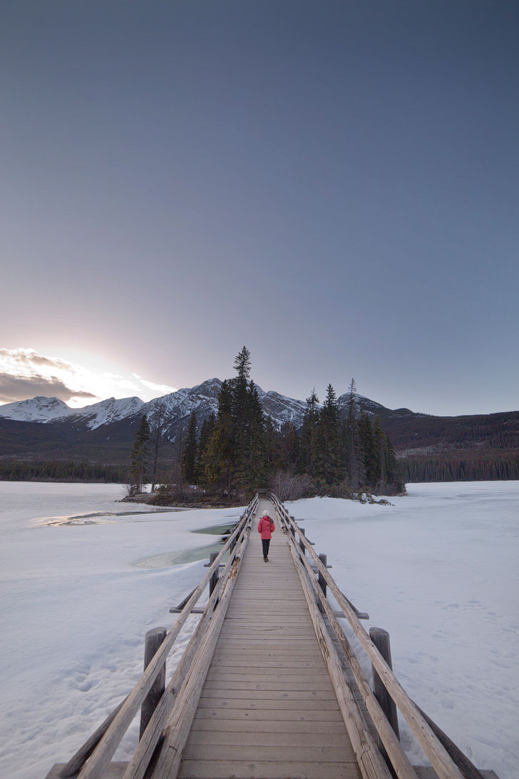 Pyramid Lake in Jasper + If you're headed to Alberta, Canada, you need to visit Jasper National Park. Click on this article to find out the best things to do in Jasper, where you need to visit to photograph beautiful places, and hikes you should add to your bucket list. This is the way that the locals do Jasper National Park // Local Adventurer #jasper #alberta #canada