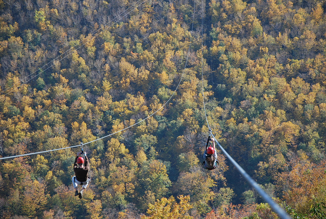 Want to plan some weekend trips from NYC? You need to save this pin and click through to check out the ultimate list of weekend getaways near NYC. No matter what season you're going, it includes winter weekend getaways from nyc, favorite summertime spots for the locals, and even the best fall getaways from nyc (Photo of Hunter Mtn in New York by PilotGirl) // Local Adventurer #hunter #iloveny #newyork #ny #visittheusa