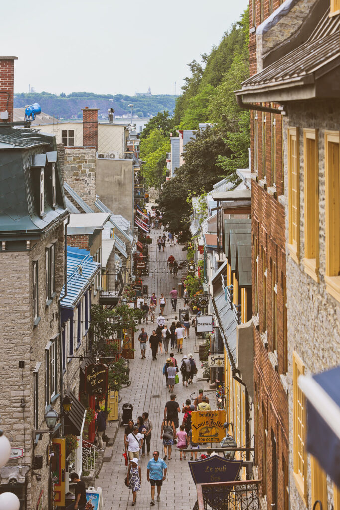 Traveling to Quebec Canada? Find out why you should visit Quebec by clicking the link. This quebec city guide will tell you the best places to visit in quebec, which quebec city points of interest are worth your time, where to head to see and learn more about quebec city history, and more. It also includes where you should stay in downtown quebec city. // Local Adventurer #quebec #quebeccity #canada #travel