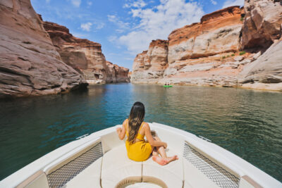 Antelope Canyon Boat Tour + 11 Most Popular Things to Do in Lake Powell and Glen Canyon Park - Lac Powell Lake Utah // Local Adventurer #usa #travel #arizona #utah #az #boating #outdoors #traveltips #summer