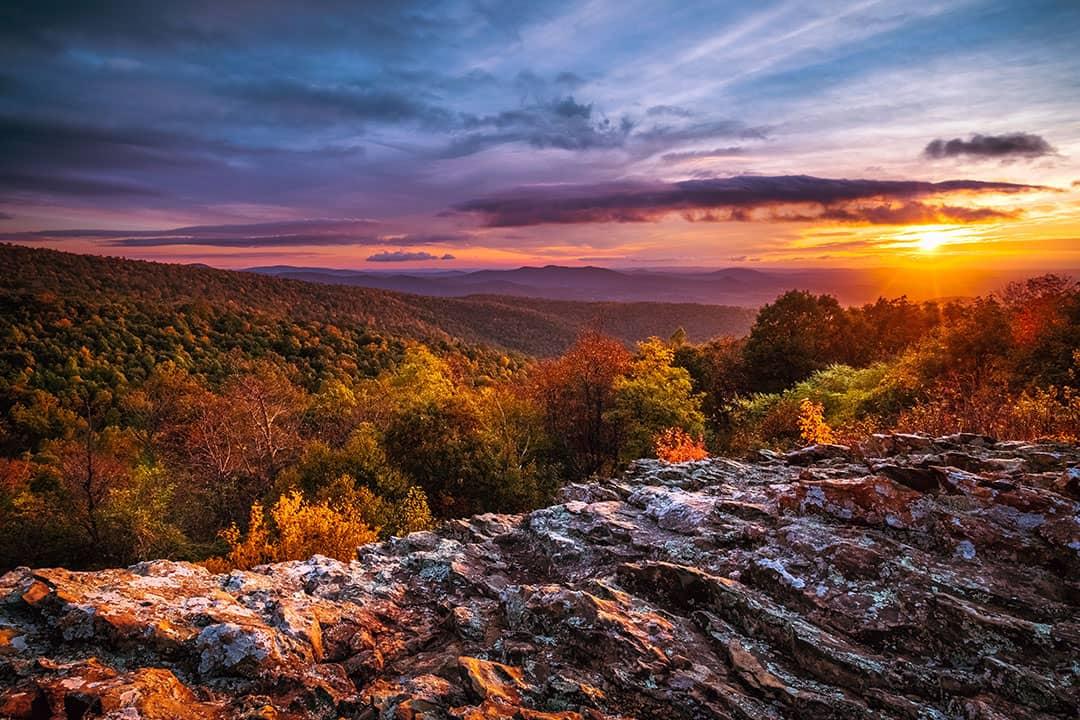 fall foliage shenandoah national park + 17 Stunning Places
