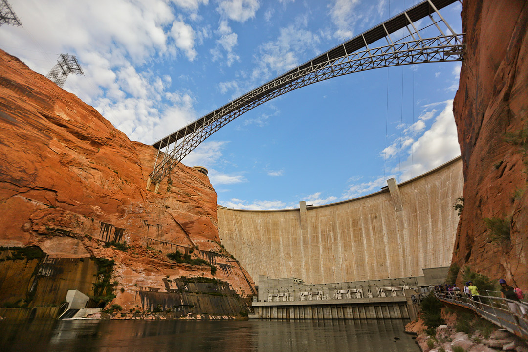 Glen Canyon Dam Tours + 11 Incredible Things to Do in Lake Powell and Glen Canyon NRA // Local Adventurer #usa #travel #arizona #utah #az #dam #traveltips #lakelife #lakes #glencanyon