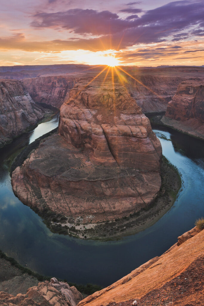 Horseshoe Bend Hike + 11 Popular Lake Powell Activities You Can't Miss // Local Adventurer #usa #travel #arizona #utah #az #outdoors #hiking #lakepowell #canyon #horseshoebend