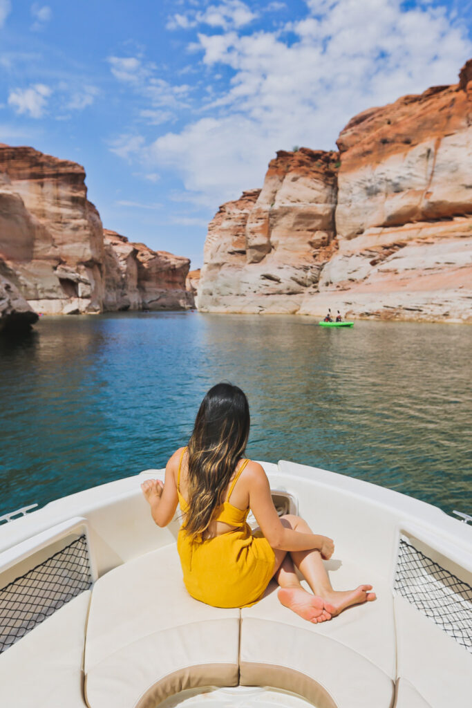 Lake Powell Boat Rentals + 11 Incredible Things to Do in Lake Powell and Glen Canyon National Recreation Area Arizona and Utah // Local Adventurer #usa #travel #arizona #utah #az #boating #traveltips #lakelife #lakes #glencanyon