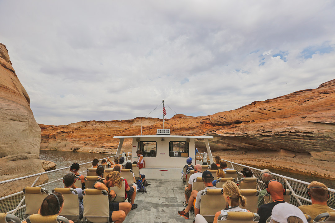 Lake Powell Boat Tours Antelope Canyon + Your Essential Guide to Glen Canyon National Recreation Area // Local Adventurer #usa #travel #arizona #utah #az #boating #traveltips #lakelife #lakes #glencanyon