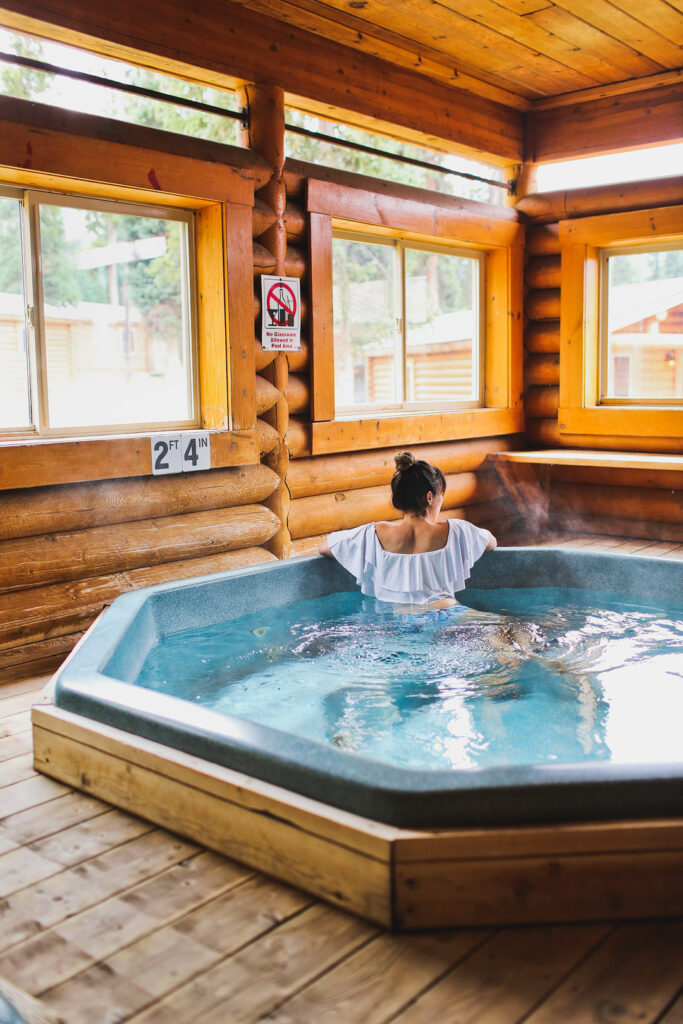11 Best Things to Do in Jackson Hole + Togwotee Mountain Lodge + Where to Stay in Jackson Wyoming // Local Adventurer #thatswy #wyoming #wy #usa #travel #outdoors #hiking #adventure #togwotee #lodge