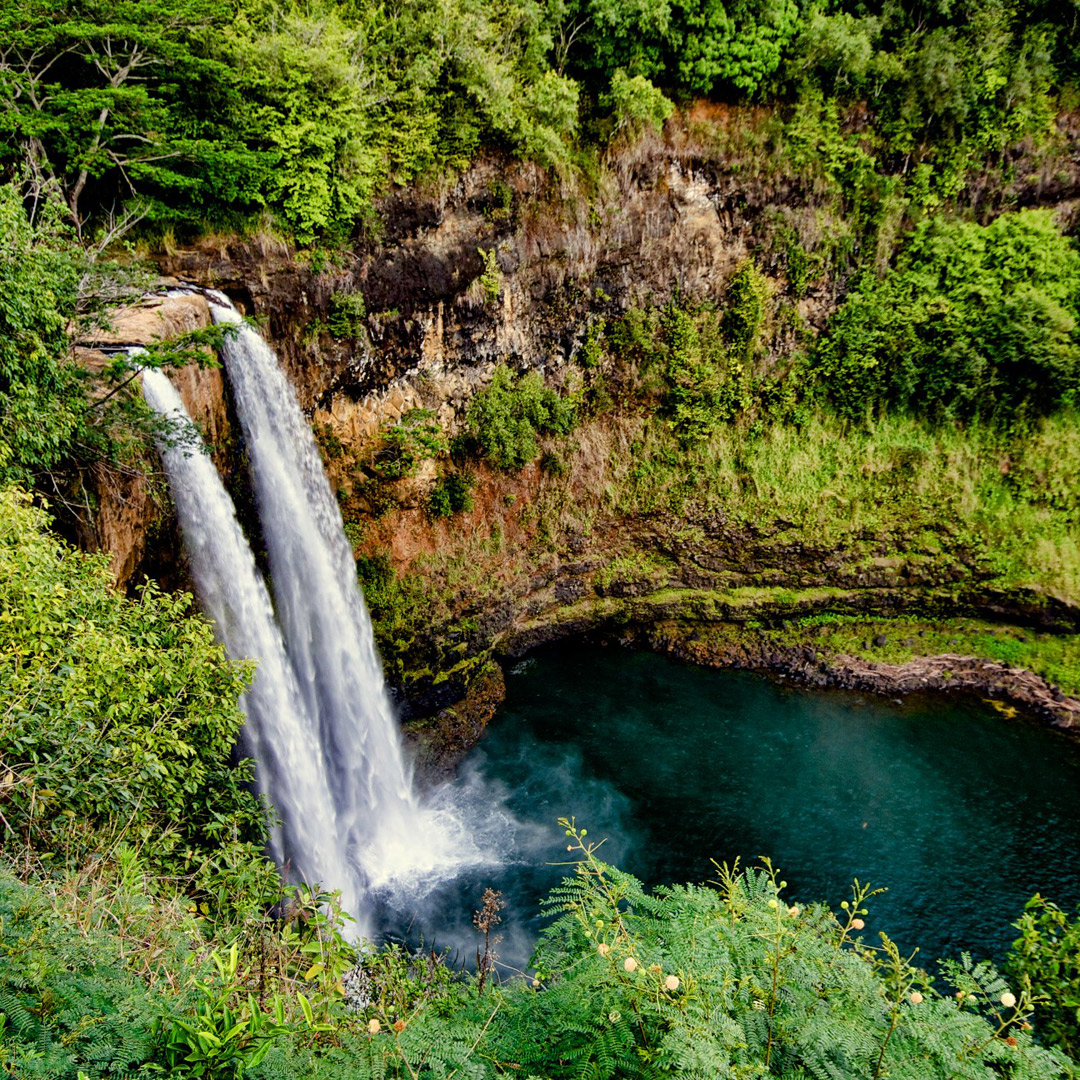 Wailua Falls Hike + 19 Road to Hana Stops You Can't Miss in Maui Hawaii // Local Adventurer #hana #maui #hawaii #usa #travel #roadtrip #hiking #waterfall #outdoors #roadtohana