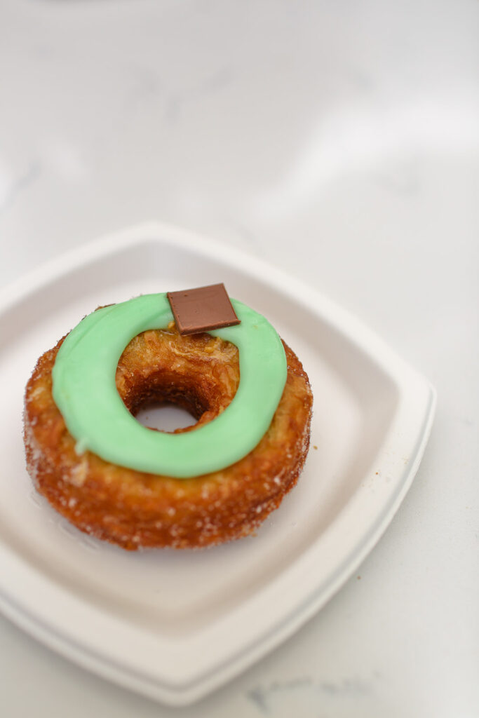 Dominique Ansel Cronut + Famous Dessert Places in NYC // Local Adventurer #cronut #nyc #newyork #newyorkcity #usa #food #foodie #soho #dominiqueansel #desserts