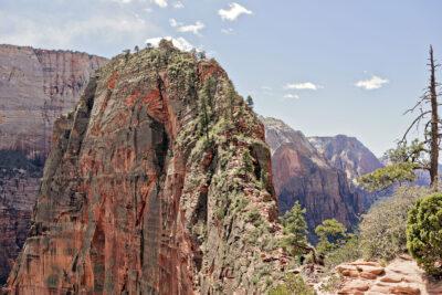 Angels Landing in Zion National Park Utah + Your Ultimate USA Bucket List // Local Adventurer #bucketlist #usa #zion