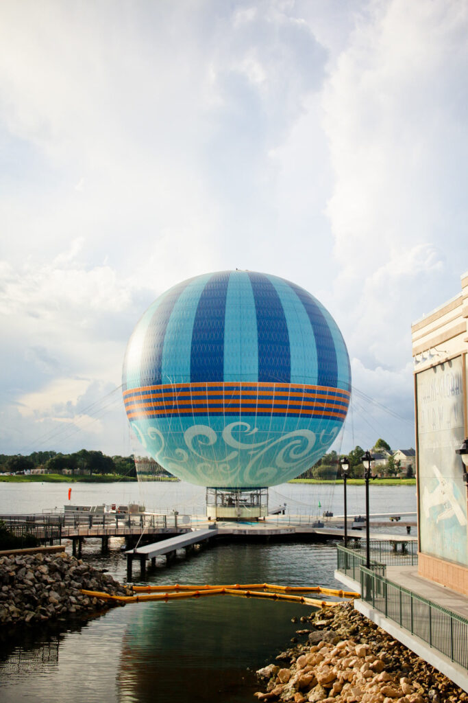 Disney World Disney Springs + 25 Free Attractions in Orlando You Can't Miss // Local Adventurer #orlando #florida