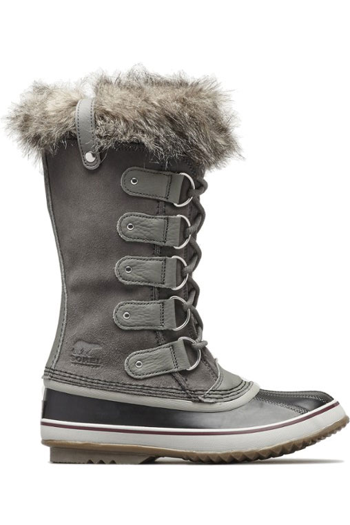 Sorel Joan of Arctic Winter Boot + 11 Comfortable Stylish Boots and Fashionable Walking Shoes // Local Adventurer #winter #travel