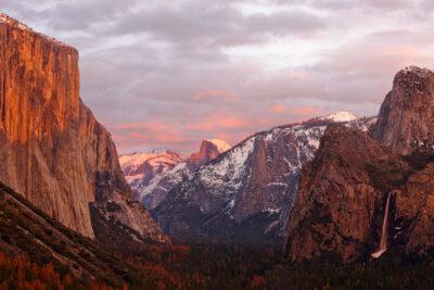 Tunnel View, Yosemite National Park, California + Your Ultimate USA Bucket List // Local Adventurer #usa #yosemite