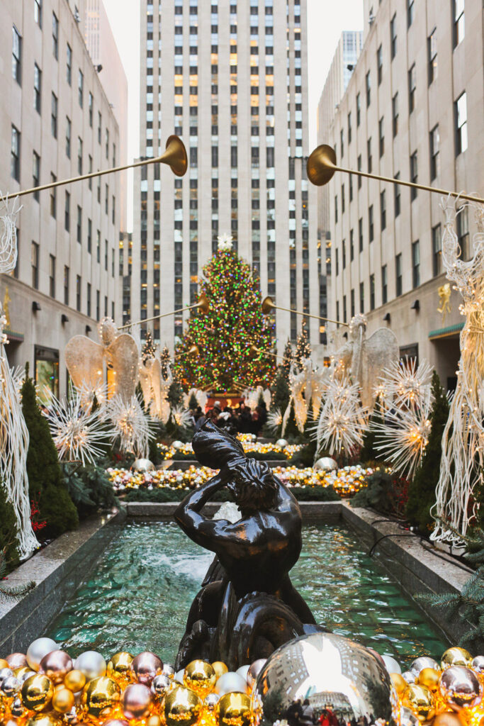 Rockefeller Christmas Tree Lighting + Best Christmas Activities in NYC / NYC Christmas Tree | LocalAdventurer.com