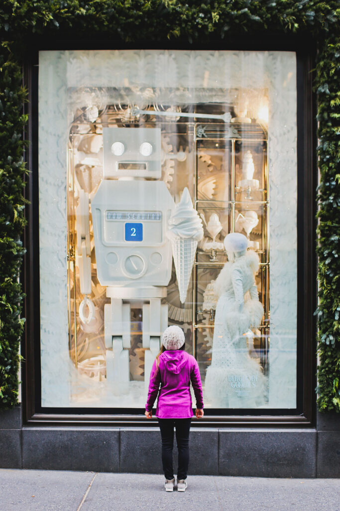 Christmas Shopping NYC - Holiday Windows on 5th Ave