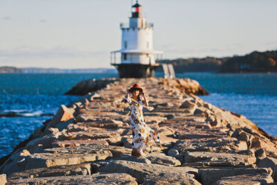 Spring Point Lighthouse + 5 Beautiful Lighthouses in Portland Maine You Can't Miss - Travelling Dresses // Local Adventurer