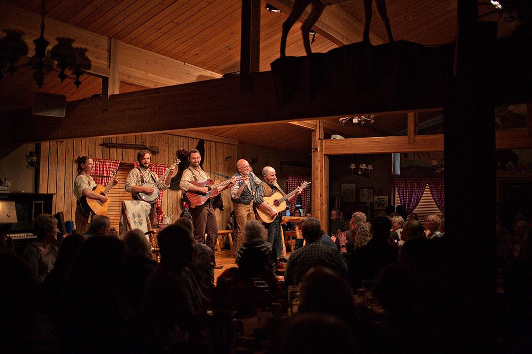 Alaska Cabin Nite Dinner Theatre