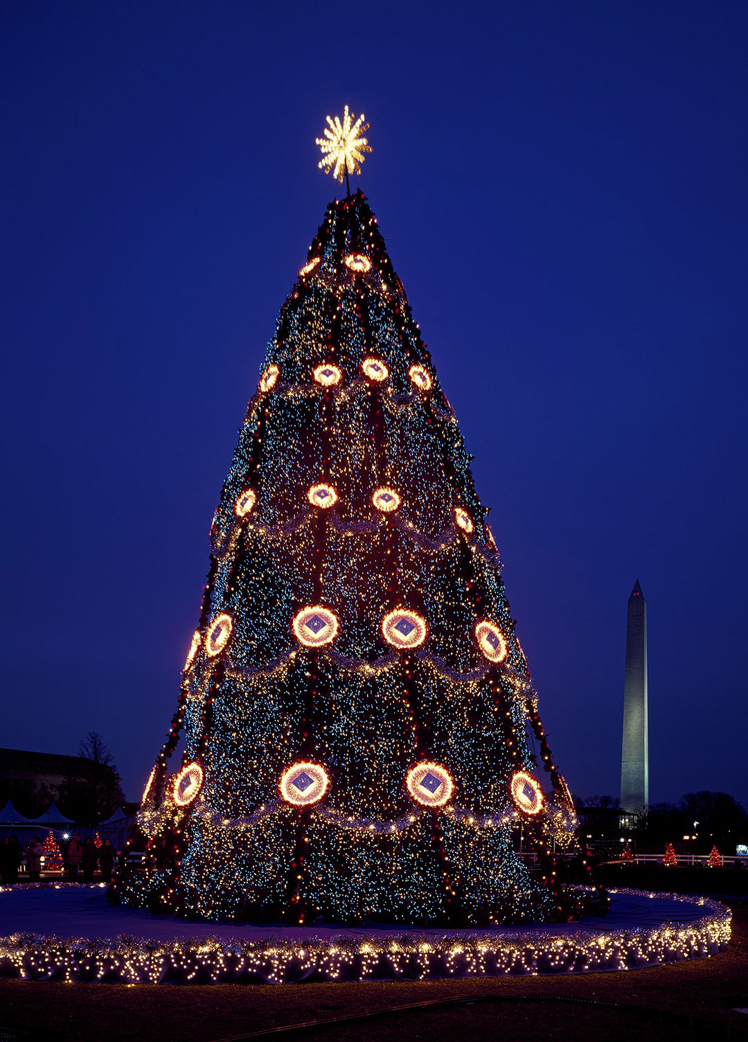 National Christmas Tree in Washington DC + 15 Best Christmas Destinations in the US
