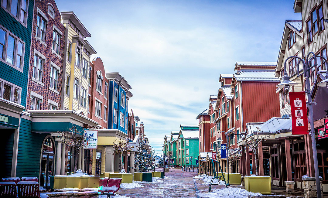 Christmas in Park City Utah + 15 Best Places to Celebrate Christmas in the US and Places to Visit at Christmas | LocalAdventurer.com