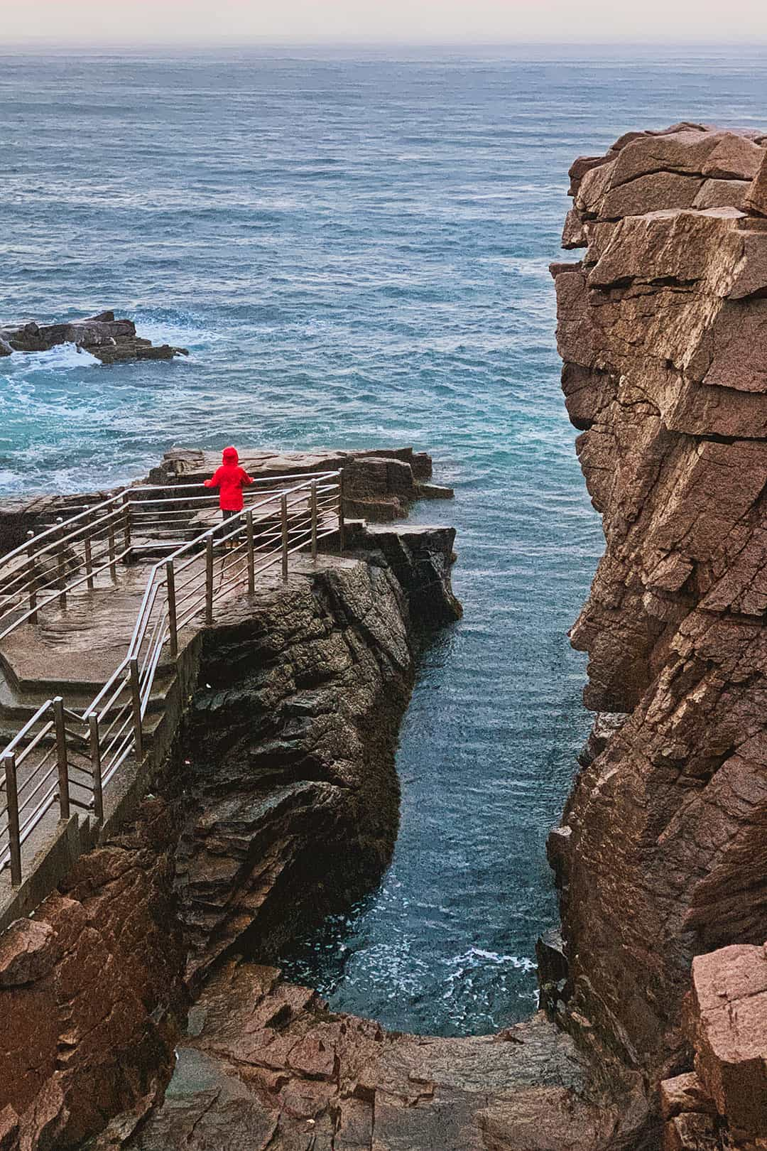 Thunder Hole + 15 Breathtaking Things to Do in Acadia National Park