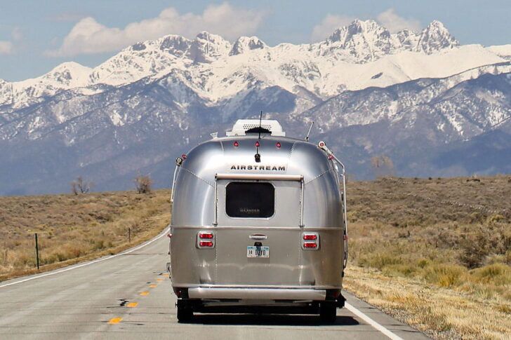 Aluminum Gifts Airstream for Your 10 Year Anniversary