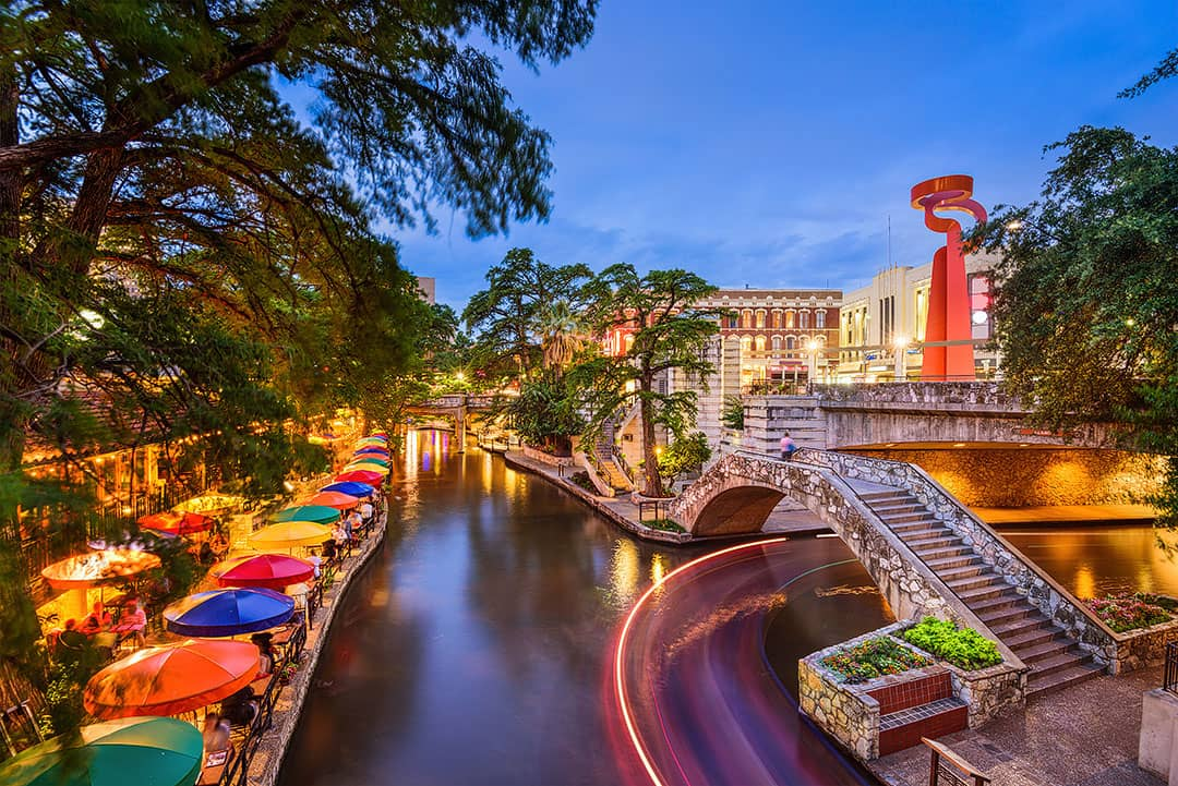 San Antonio + 15 Best Places to Visit in November in USA