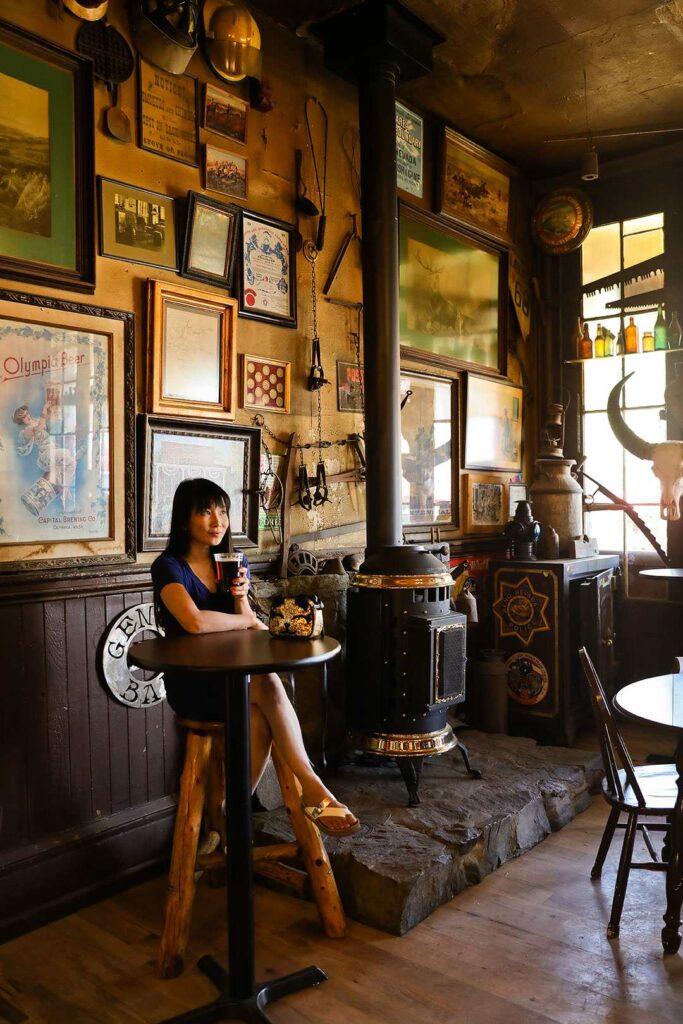 genoa bar and saloon